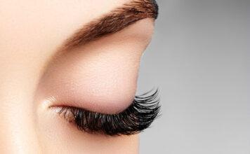 Zadbaj o idealną oprawę oka i wybierz się na przedłużanie rzęs! Poznaj najlepsze metody!